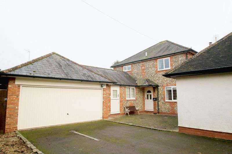 4 Bedrooms Detached House for sale in Ilmer, Buckinghamshire