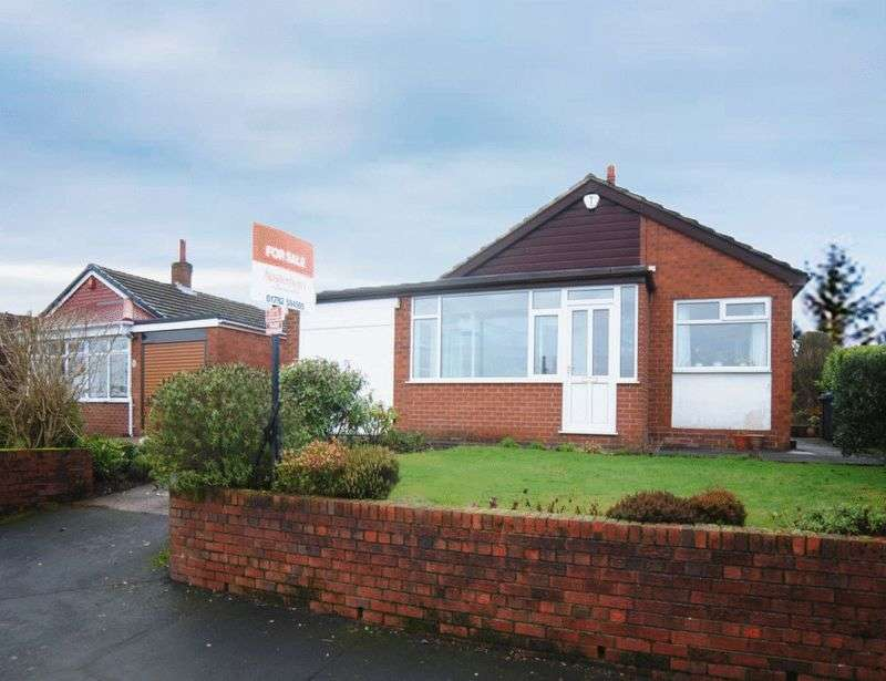 3 Bedrooms Detached Bungalow for sale in Woodside Drive, Meir Heath, Stoke-On-Trent, ST3 7JW