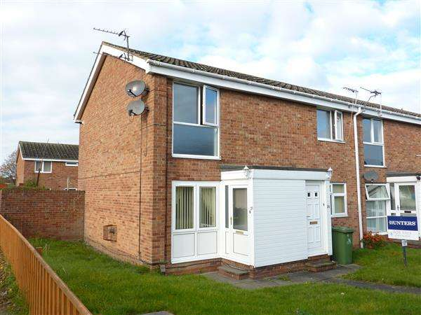 2 Bedrooms Apartment Flat for sale in RAVENSPURN WAY, GRIMSBY