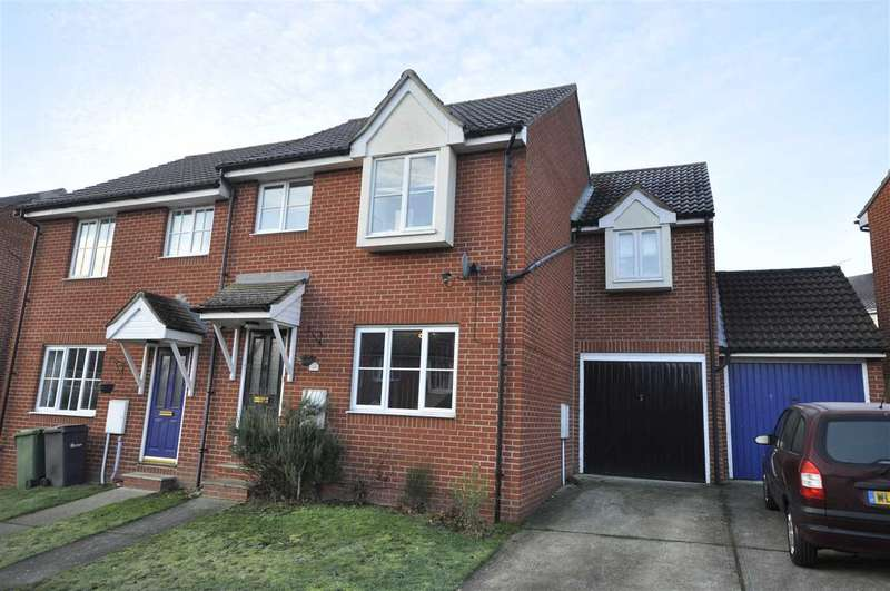 4 Bedrooms Semi Detached House for sale in Well Field, Halstead