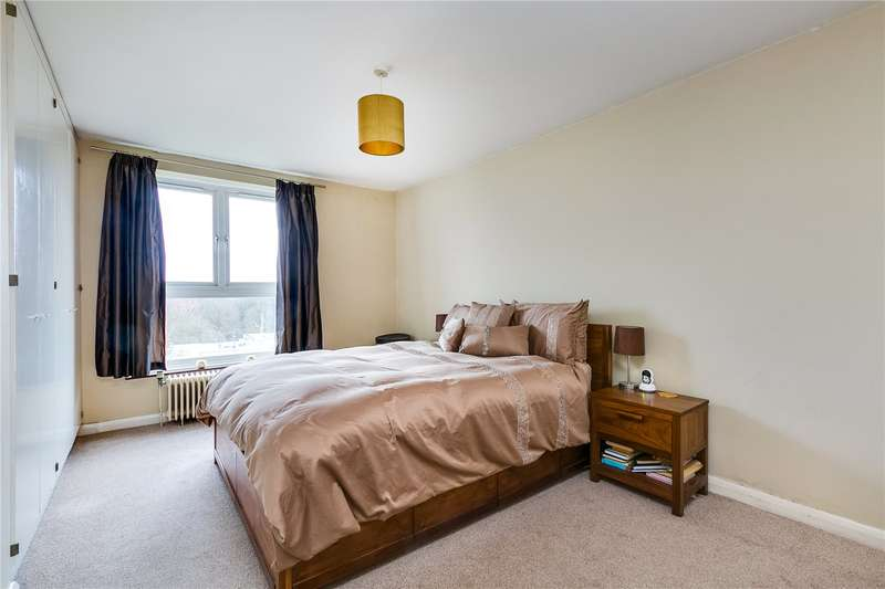 2 Bedrooms Flat for sale in Lime Court, 2 Gipsy Lane, London, SW15