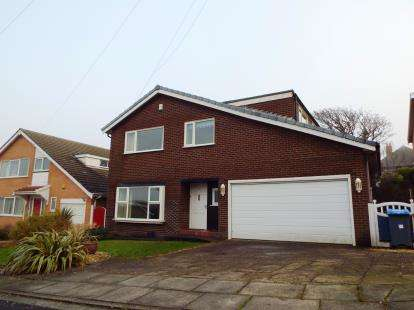4 Bedrooms Detached House for sale in The Knowle, Blackpool, Lancashire, FY2