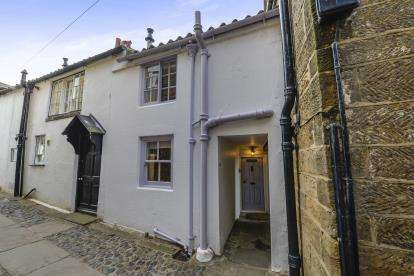 3 Bedrooms Terraced House for sale in Chapel Street, Robin Hoods Bay, Whitby, North Yorkshire