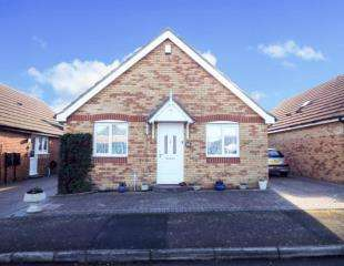 3 Bedrooms Bungalow for sale in Gypsy Way, High Halstow, Rochester, Kent