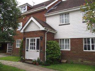 2 Bedrooms Flat for sale in Little Park, Durgates, Wadhurst, East Sussex