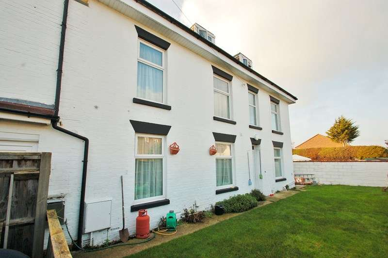 5 Bedrooms End Of Terrace House for sale in Ferrol Road, Gosport