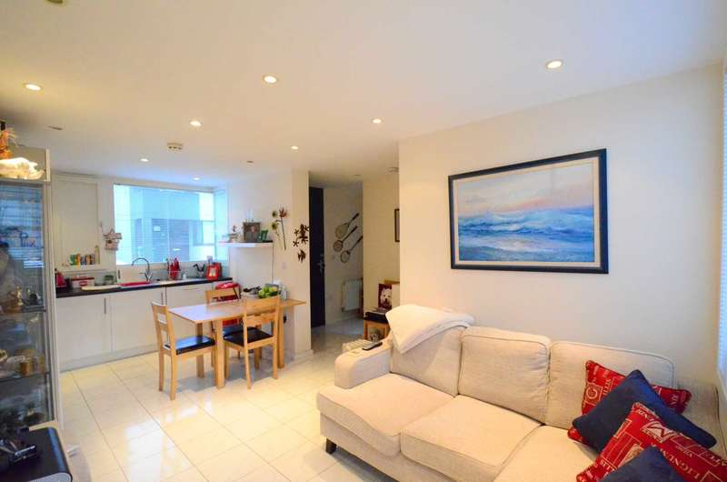2 Bedrooms Semi Detached House for sale in Oxley Park