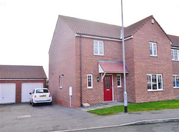 4 Bedrooms Detached House for sale in Warmington Avenue, Grantham