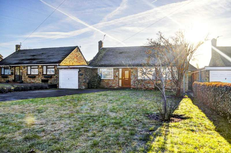 4 Bedrooms Detached Bungalow for sale in Longwick. Deceptively Spacious Bungalow With Large Garden
