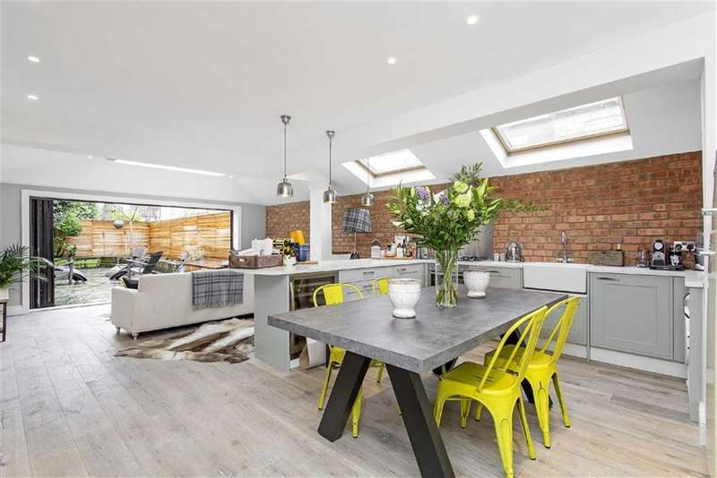 2 Bedrooms Property for sale in Edenvale Street, Fulham, London, SW6