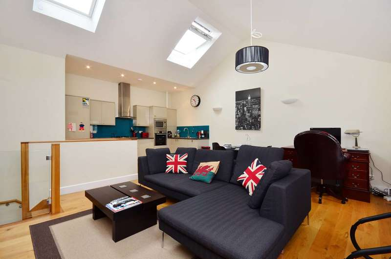 2 Bedrooms Flat for sale in Nettlefold Place, West Norwood, SE27