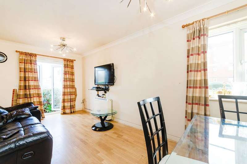 2 Bedrooms Flat for sale in Pelham Place, West Ealing, W13