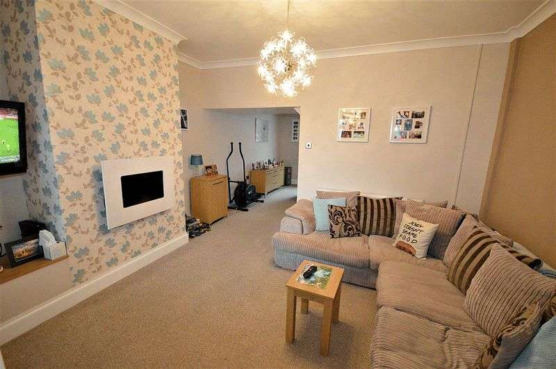 2 Bedrooms Terraced House for sale in Commercial Street, Cwmbran
