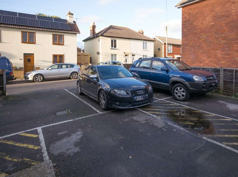 2 Bedrooms Flat for sale in Darracott road, Bournemouth, Dorset, BH5