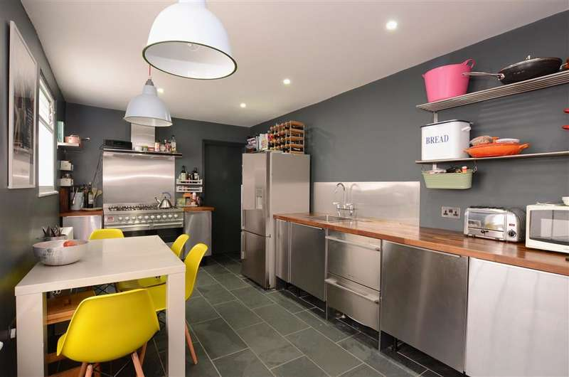 3 Bedrooms Terraced House for sale in St. Georges Road, Kemp Town, Brighton, East Sussex