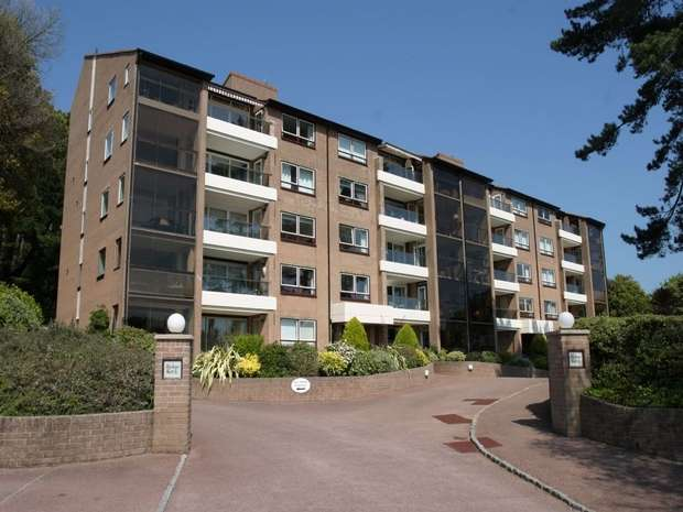 3 Bedrooms Flat for sale in Sandbanks Road, Evening Hill, Dorset