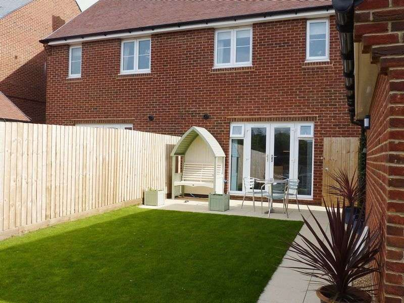 3 Bedrooms Semi Detached House for sale in Lyme Regis