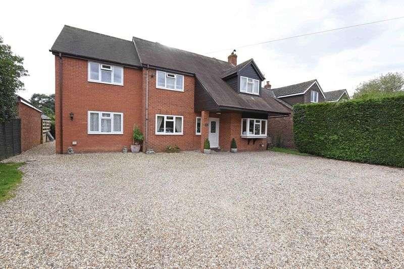 5 Bedrooms Detached House for sale in Aldermaston Road, Pamber End