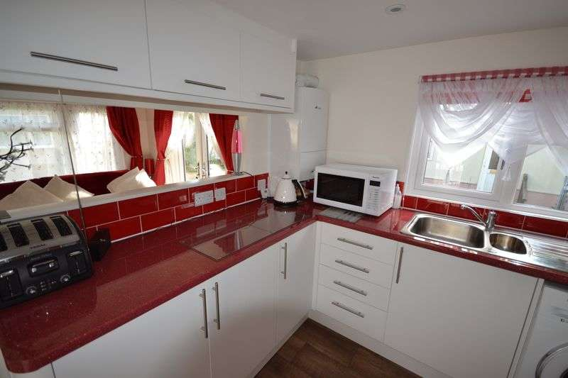 1 Bedroom Property for sale in One Bedroom Mobile Home, Blackfield, SO45