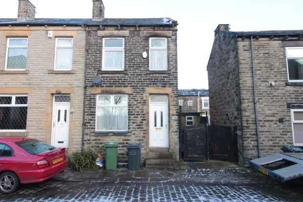 3 Bedrooms Property for sale in William Street, Dewsbury, West Yorkshire, WF13 4AY