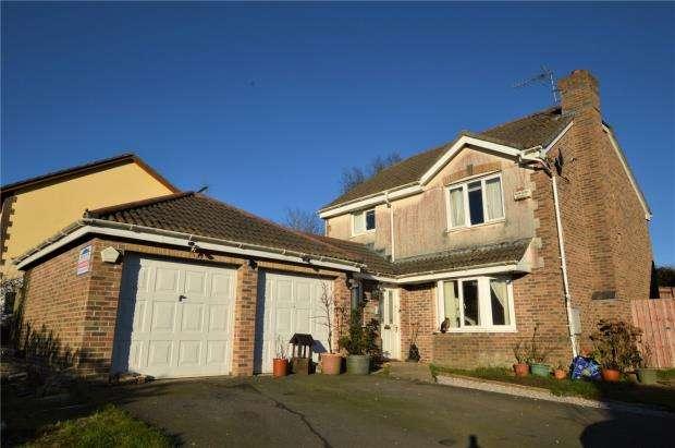 4 Bedrooms Detached House for sale in Balmoral Crescent, Okehampton, Devon