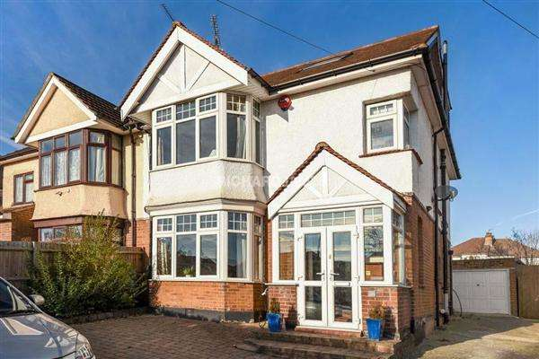 4 Bedrooms Semi Detached House for sale in Bunns Lane, Mill Hill