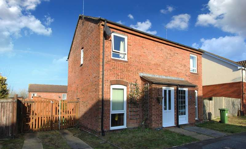 2 Bedrooms Semi Detached House for sale in Granary Way, Horsham