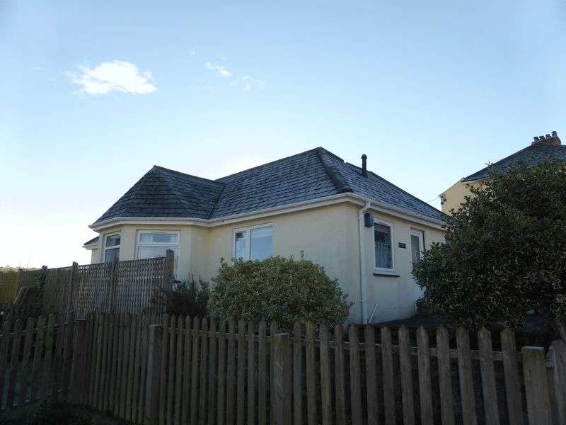 2 Bedrooms Detached Bungalow for sale in Hillside Gardens, Lostwithiel