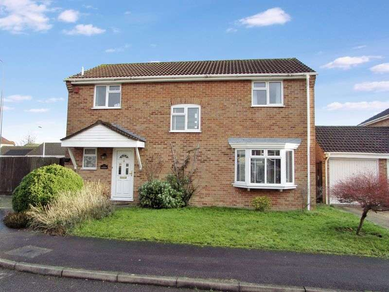 4 Bedrooms Detached House for sale in Druce Way, Thatcham