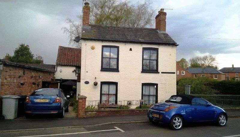 4 Bedrooms Cottage House for sale in Stanhope Road, Horncastle