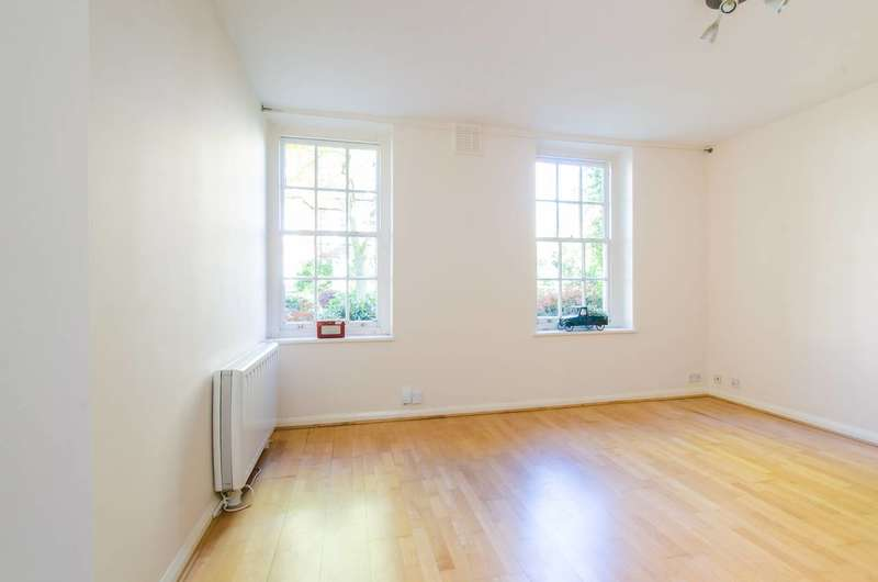 1 Bedroom Flat for sale in Vicarage Crescent, Battersea, SW11