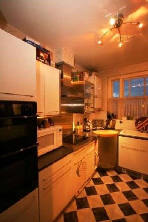3 Bedrooms House Share for rent in Flat 3 - 889 Bristol Road, Selly Oak, West Midlands, B29 6ND