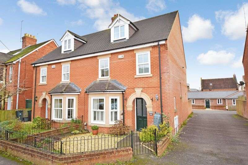 4 Bedrooms Semi Detached House for sale in Kings Road, Sherborne, Dorset