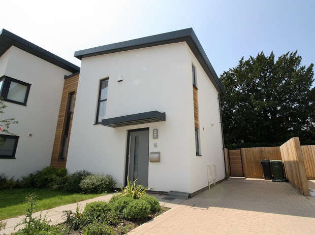 3 Bedrooms Semi Detached House for rent in Newcourt Drive, Exeter, EX2