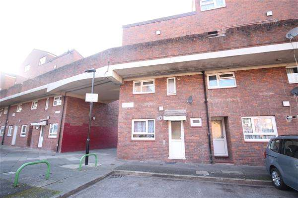 3 Bedrooms Maisonette Flat for sale in Prior Field, Northolt