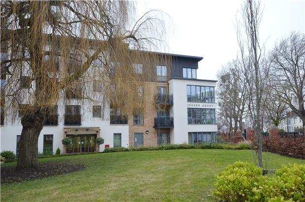 1 Bedroom Flat for sale in Jenner Court, St Georges Road, Cheltenham, Glos, GL50 3ER