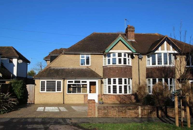 4 Bedrooms Semi Detached House for sale in Tadworth
