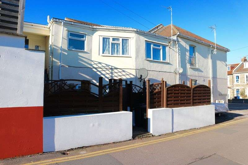 1 Bedroom Flat for sale in High Street, Staple Hill, BS16 5HP