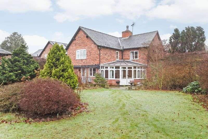 3 Bedrooms Detached House for sale in Market Court, Tarporley