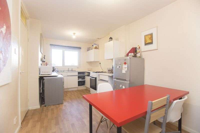 2 Bedrooms Flat for sale in Mabley Street, Homerton, E9