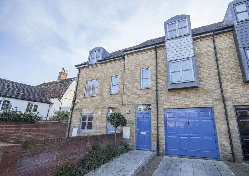 3 Bedrooms Terraced House for sale in All Saints Court, Bury St Edmunds