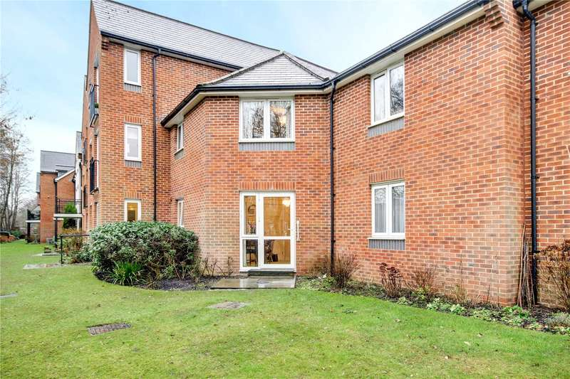 1 Bedroom Flat for sale in Churchill Court, Kelham Gardens, Marlborough, Wiltshire, SN8