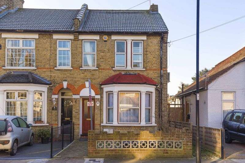 1 Bedroom Flat for sale in Chestnut Road, Enfield