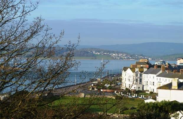 2 Bedrooms Flat for sale in The Beacon, EXMOUTH, Devon