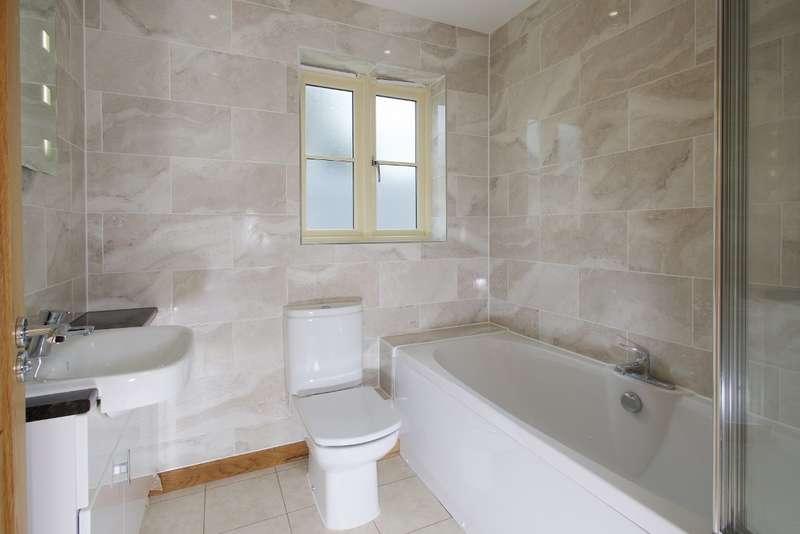 4 Bedrooms Detached House for sale in Broadmayne