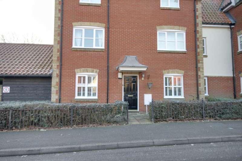 2 Bedrooms Apartment Flat for sale in Bramble Tye, Noak Bridge, Essex