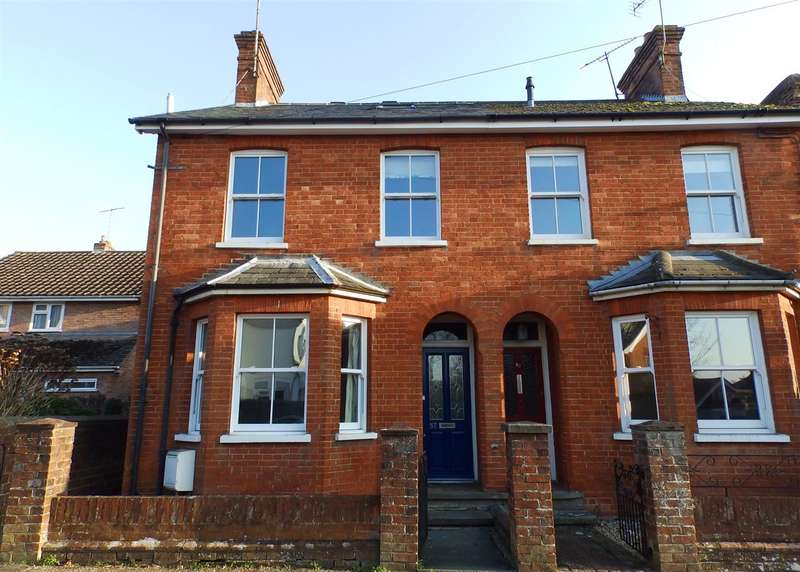 4 Bedrooms Semi Detached House for sale in Rushams Road, Horsham