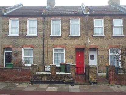 2 Bedrooms Terraced House for sale in East Ham, London