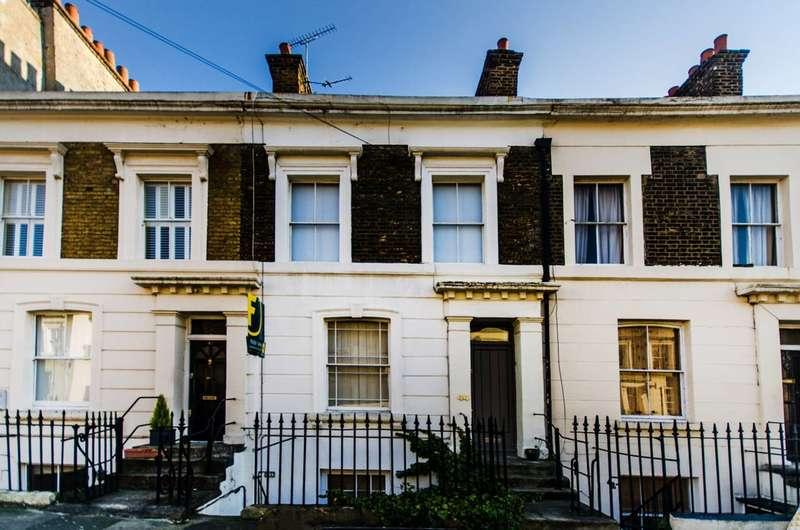 1 Bedroom Flat for sale in Cephas Avenue, Stepney, E1