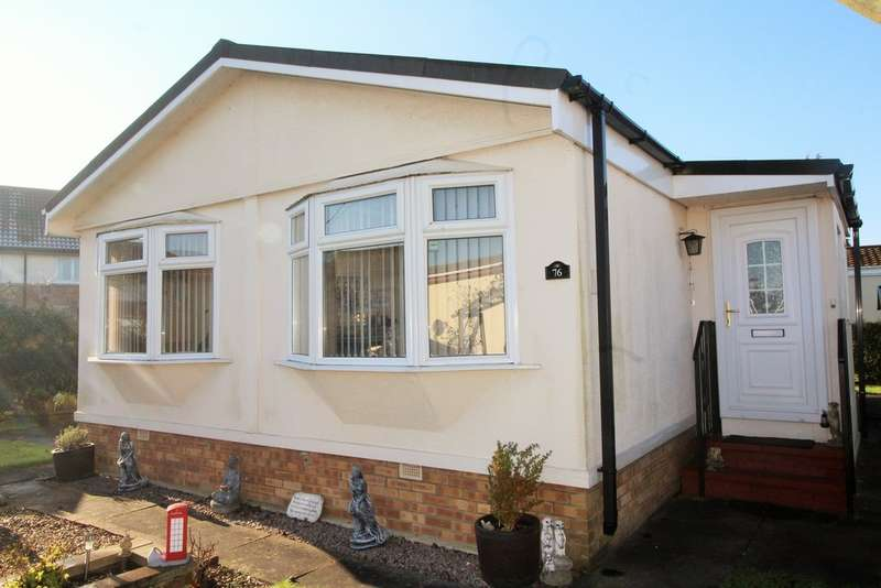 2 Bedrooms Park Home Mobile Home for sale in Keys Park, Parnwell, Peterborough, PE1 4SN